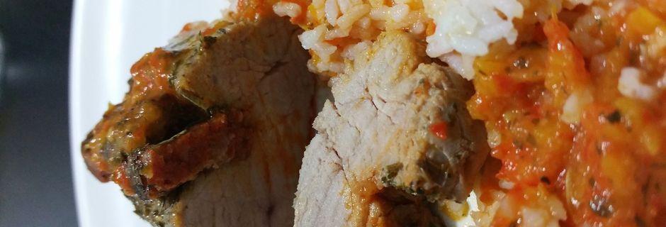Paupiette de filet mignon au chorizo, riz et sa sauce au poivrons