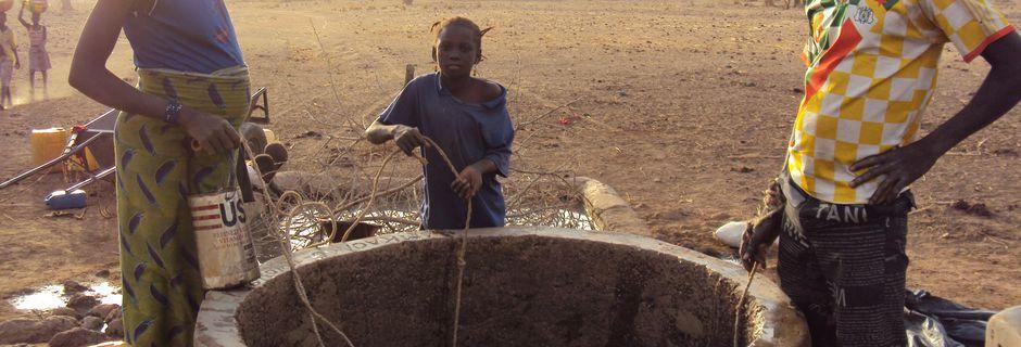 L'accès à l'eau potable: une grave dette sociale envers les pauvres !