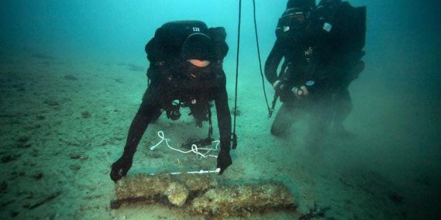 Début des opérations de destruction d'obus de la Seconde Guerre mondiale en rade de Marseille