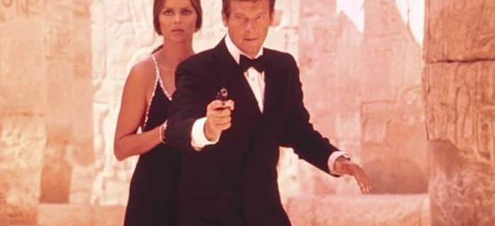 Mort de Roger Moore, acteur britannique connu pour ses rôles dans « James Bond » et « Amicalement vôtre »