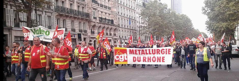 Succés des métallos CGT, 5000 rassemblés à l'UIMM à Paris pour une Convention Collective Nationale et contre les ordonnances Macron