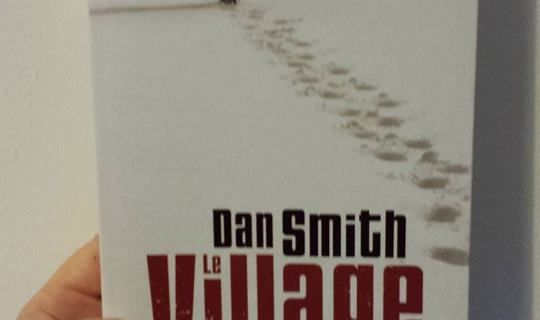Le village, de Dan SMITH