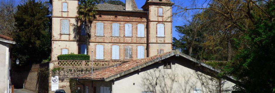 Le château de Belbèze de Giroussens.