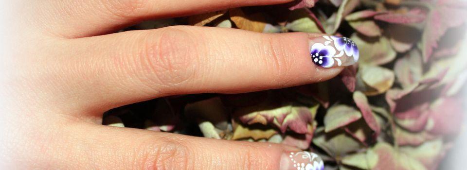 Nail art à la Violette...