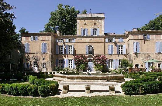 Le Château des Barrenques chambres d'hôtes et gîtes de prestige