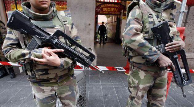 Militaires attaqués à Nice : un « terrorisme en libre-accès » pour Cazeneuve