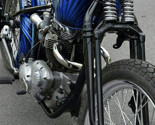Base Triumph blue métal flakes
