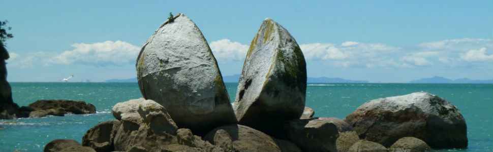 Split Apple Rock dans Abel Tasman National Park en Nouvelle Zélande