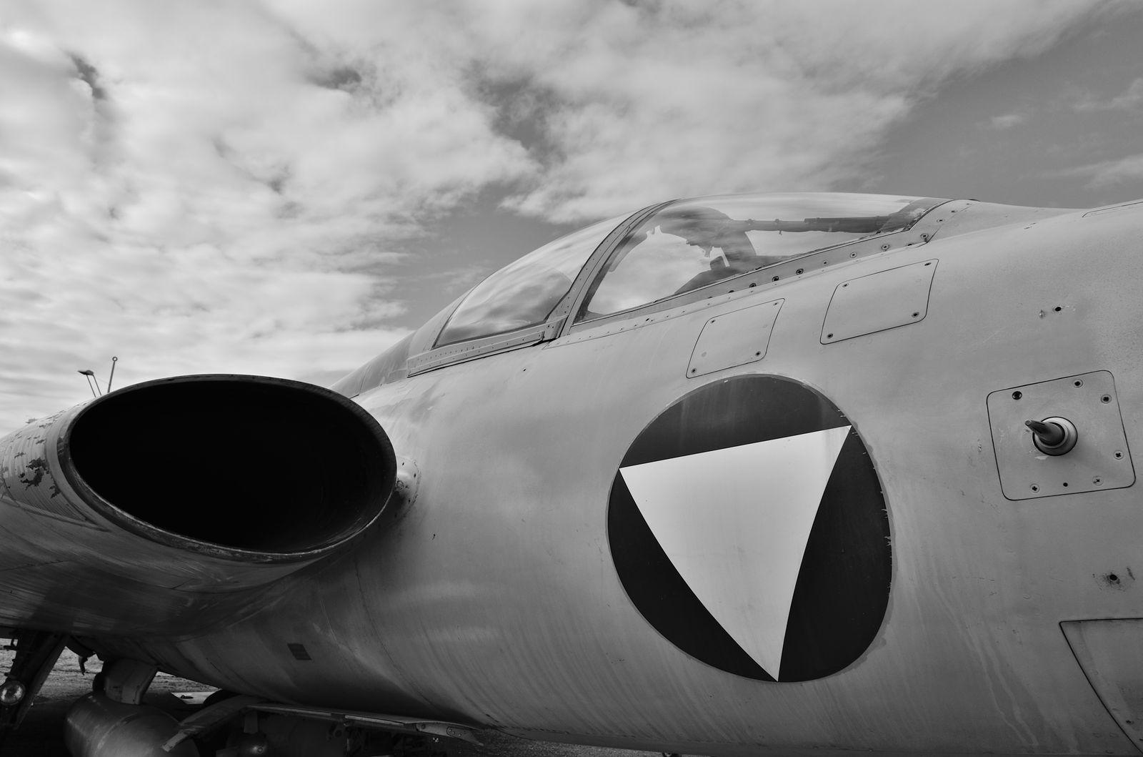 Différentes prises d'air sur des avions de chasse
