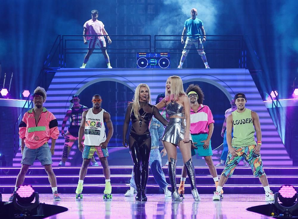 BRITNEY SPEARS Pretty Girls PERFORMANCE