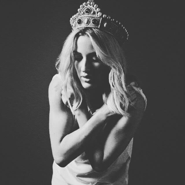 """SORTIE ALBUM""""CULTE"""":Ellie Goulding DELIRIUM"""