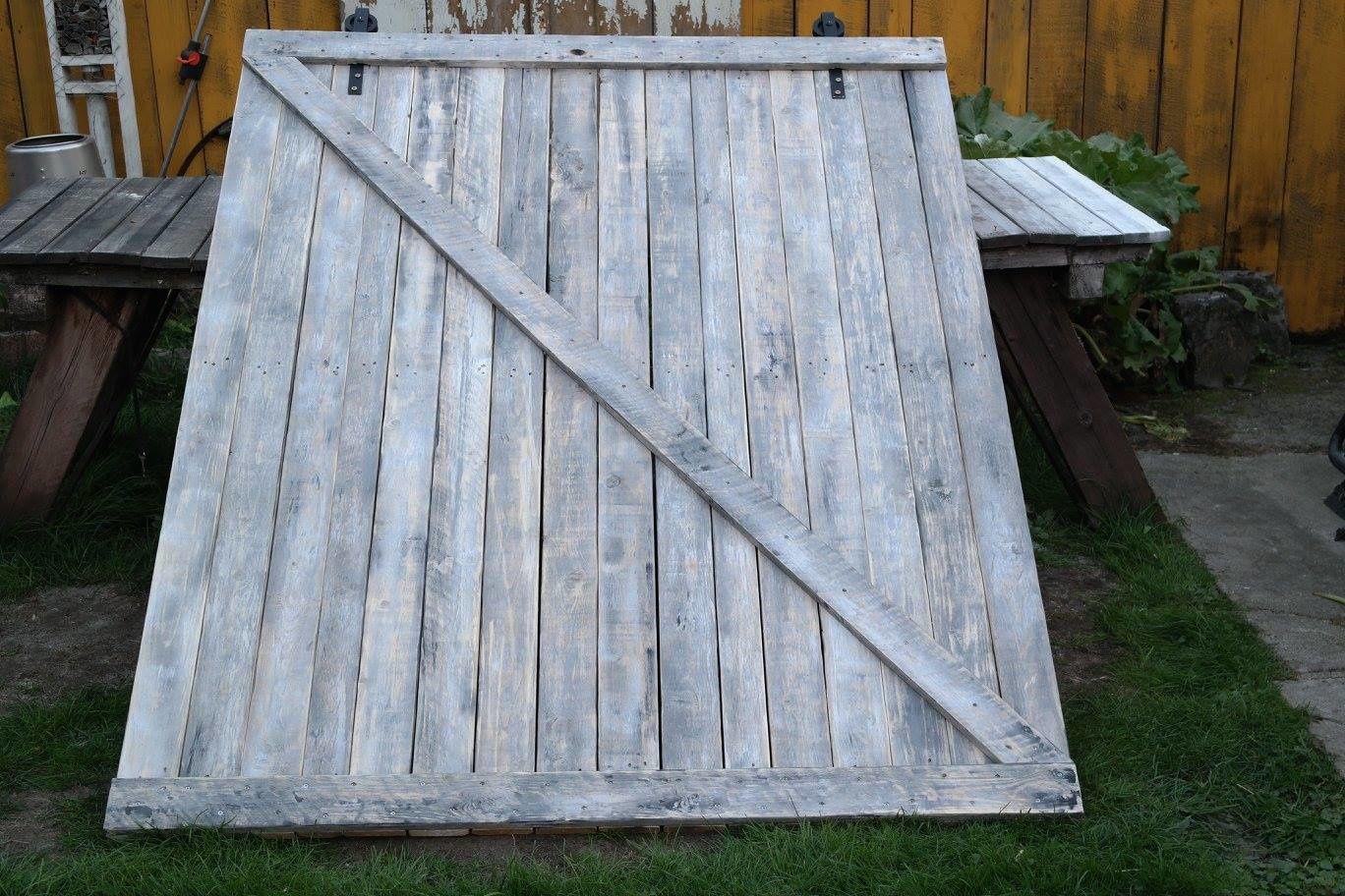 Porte Grange Coulissante Bois réalisation d'une porte de grange coulissante en bois de