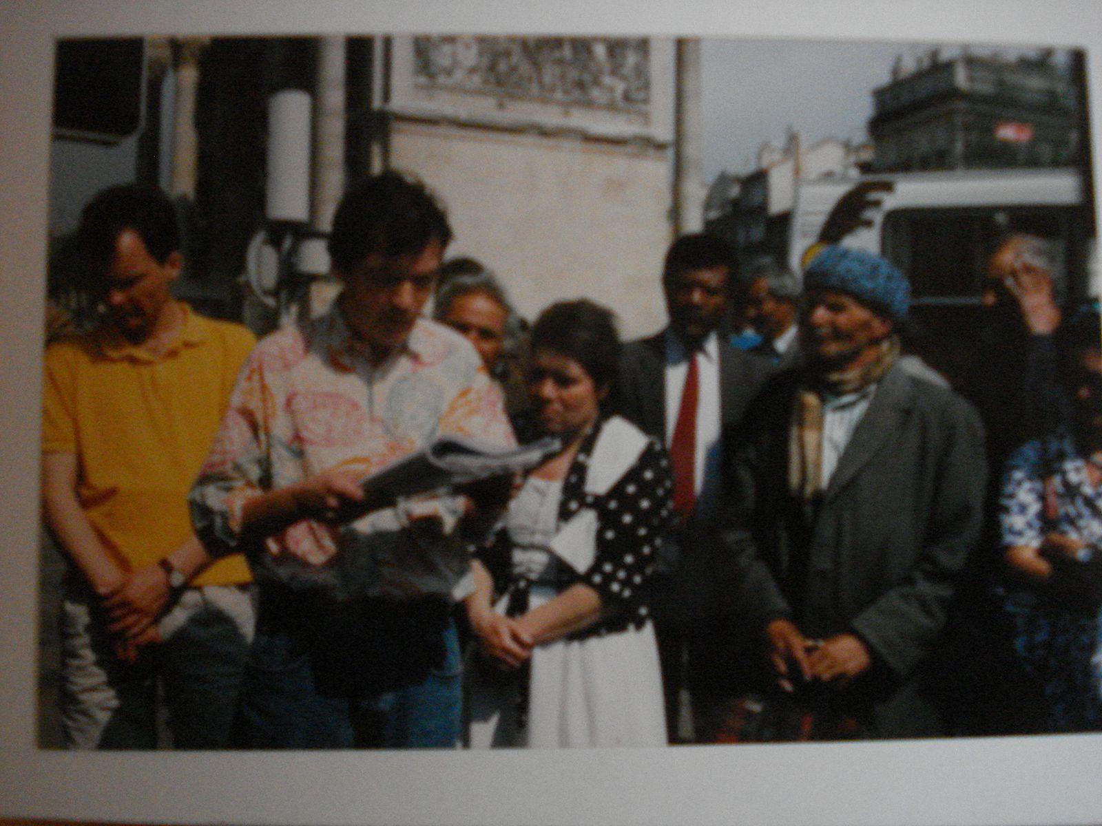 Différentes photos à Marseille surtout lors des Parolades (festival la mer parle) avec Gorelli, Benedetto, Pey, Lounès, Laabi, Ince, et les italiens Massimo Mori, Giancarlo Viviani, Titi Follieri, et les musiciens Boni, Tchamitchian, Jaume, Charmasson, Carlo Rizzo..