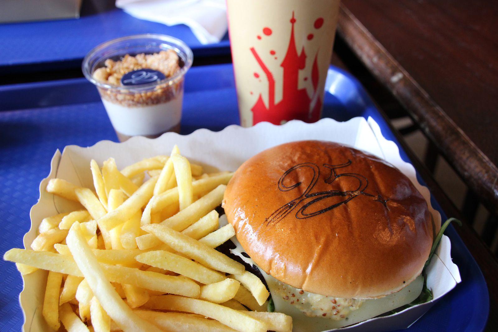 Les restaurants de Discoveryland à Disneyland Paris