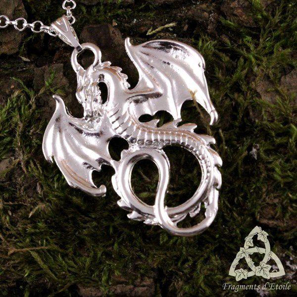 Collier white dragon argenté clair médiéval fantasy elfique celtique homme femme magie fée païen ésotérisme