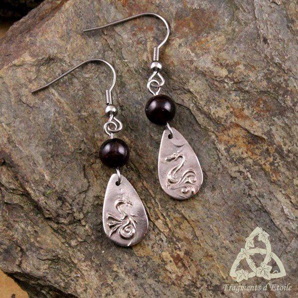 Boucles d'oreilles Little Dragon Grenat rouge foncé bronze blanc argenté acier inox médiéval elfique celtique magie féerique