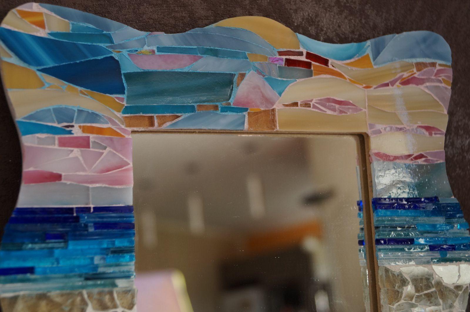 Miroir en mosaïque de verre et sable, plage, mer, océan, coucher de soleil, vague