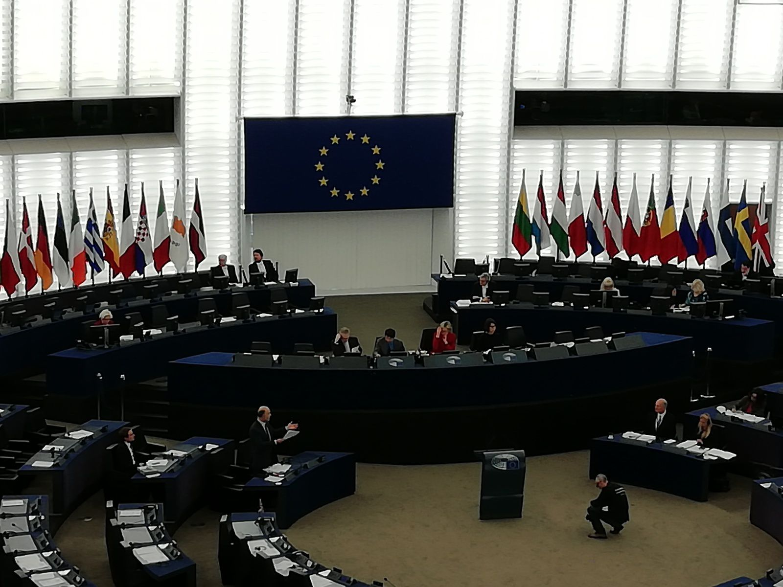 Pierre MOSCOVIVI devant le député européens : persévérer dans le renforcement de la zone euro