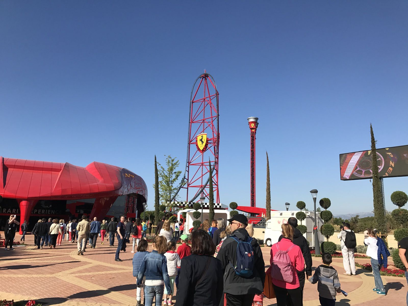 ALBUM PHOTO ET VIDEO DU VOYAGE ENFANTS A PORT AVENTURA ET FERRARI LAND 2017