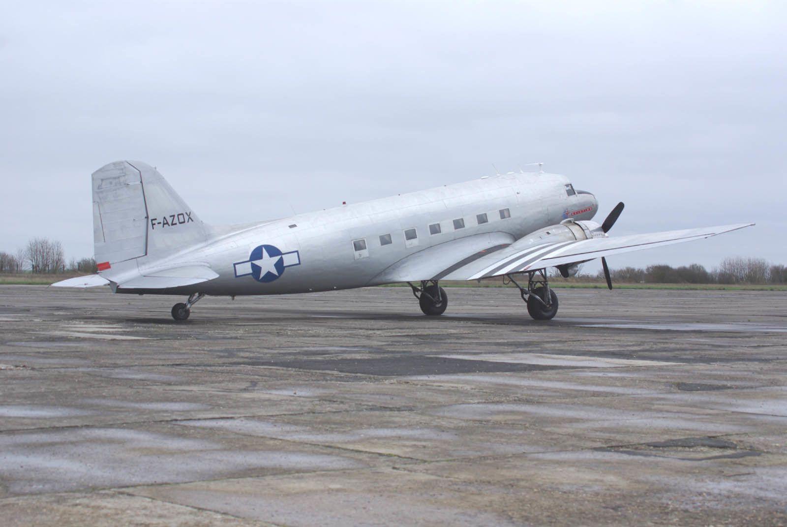 Le DC-3 F-AZOX.