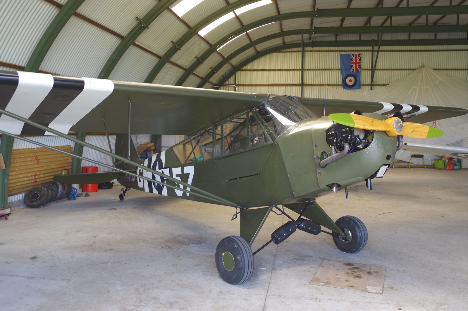 Le dernier arrivé, le Piper L-4A Grasshopper F-AYAY.