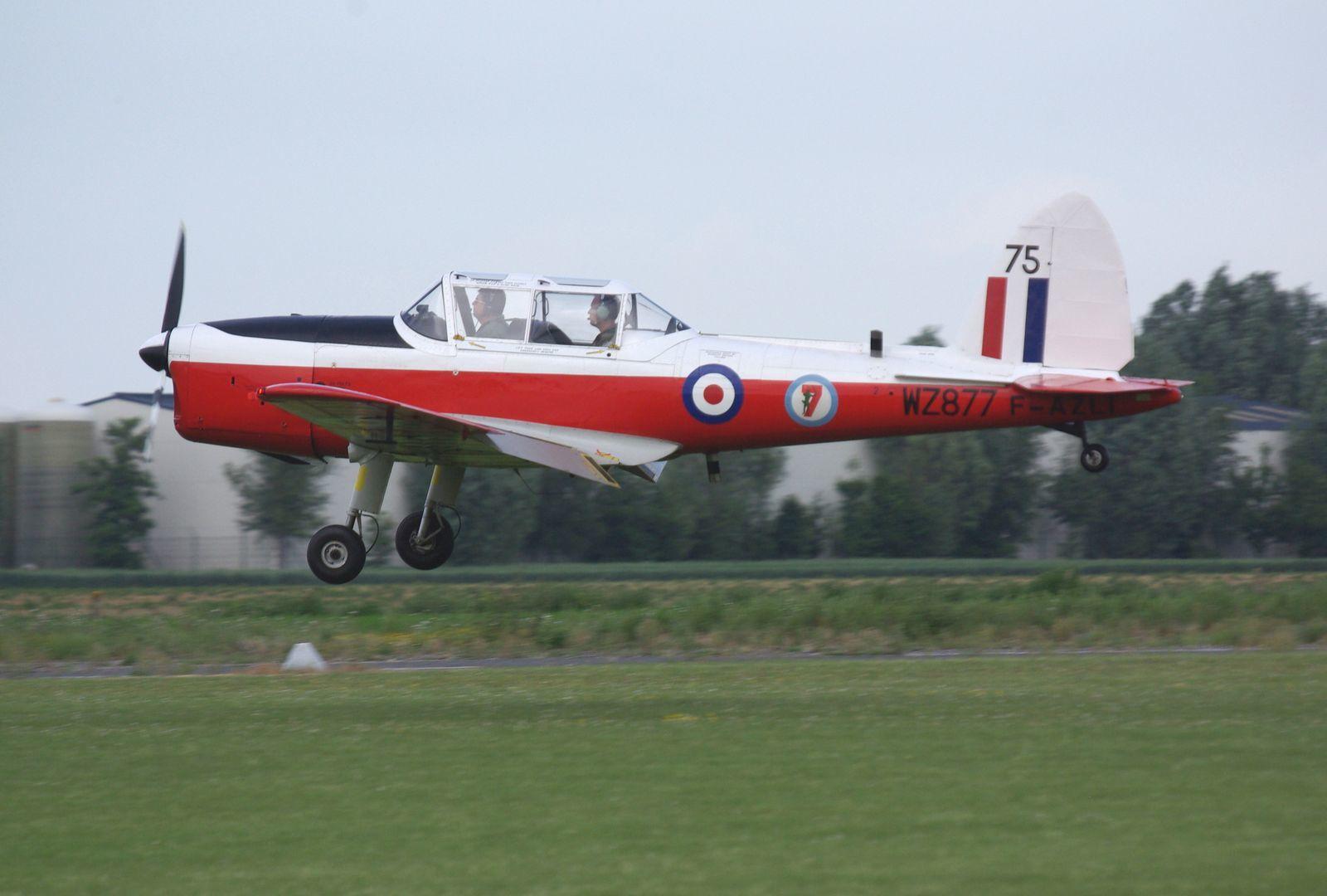 Le De Havilland DHC1 Chipmunck F-AZLI.