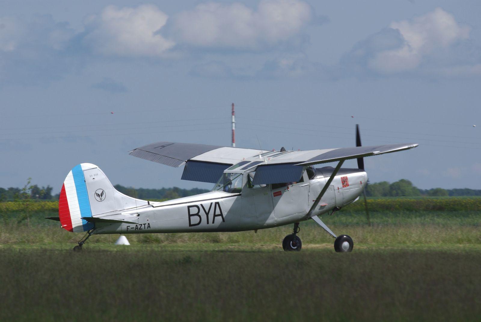 Le Cessna L-19 Bird dog F-AZTA.