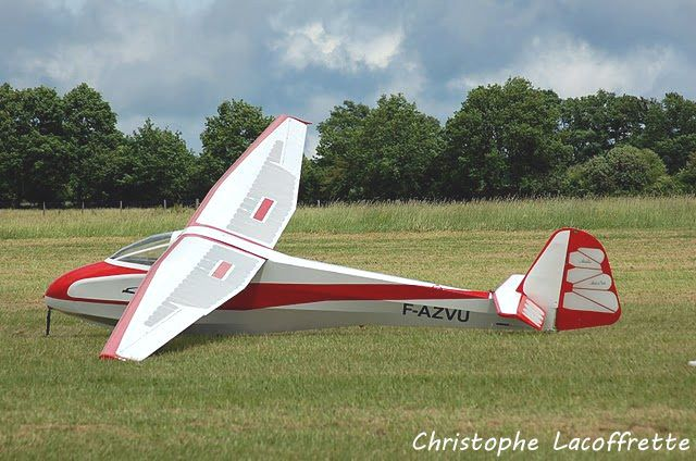 Le Avialsa A60 Fauconnet N°68 F-AZVU actuellement à vendre à Gueret (photo: Christophe Lacoffrette)