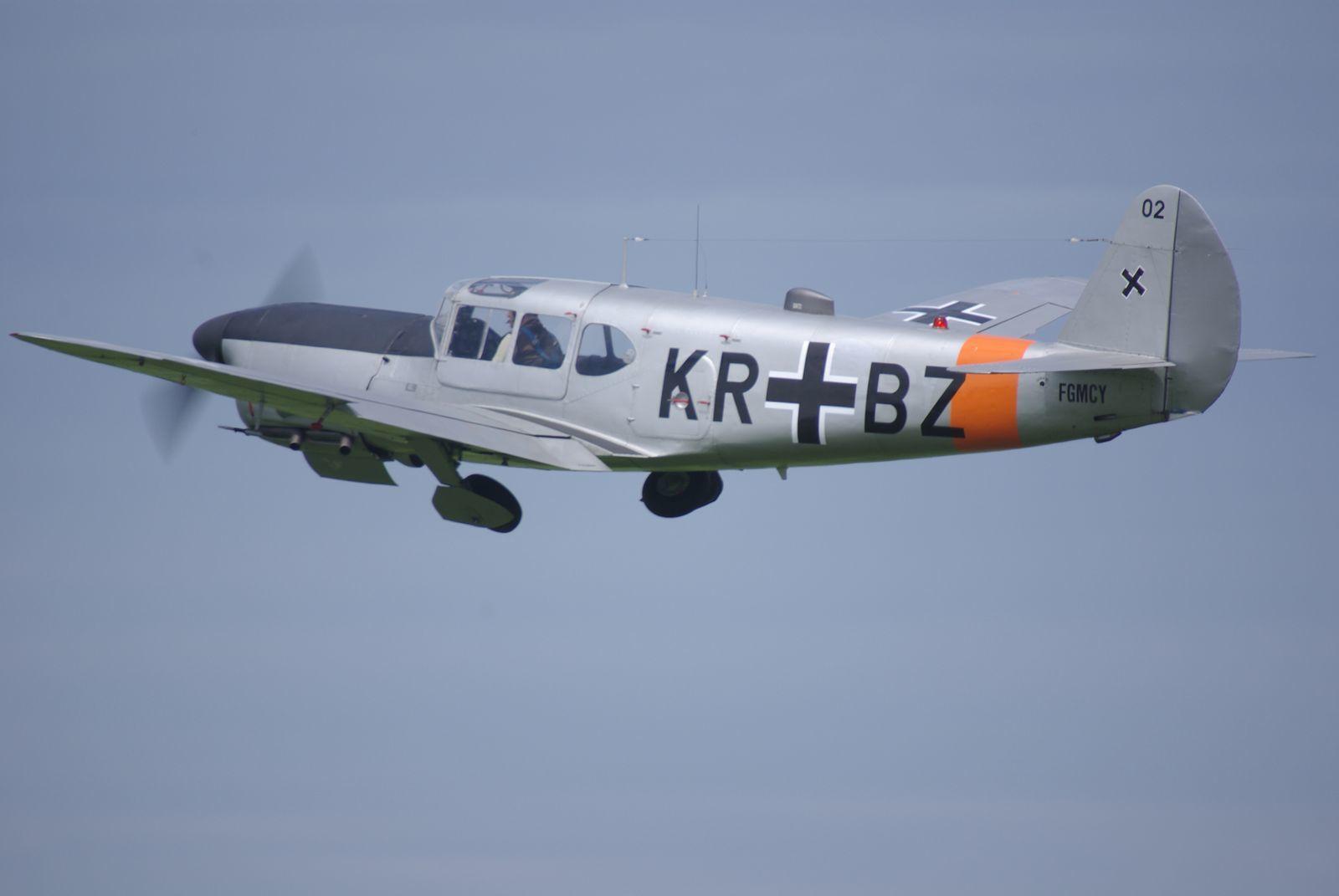 Le Nord 1101 Noralpha N°67 F-GMCY a perdu ses cocardes tricolores pour des croix noirs.