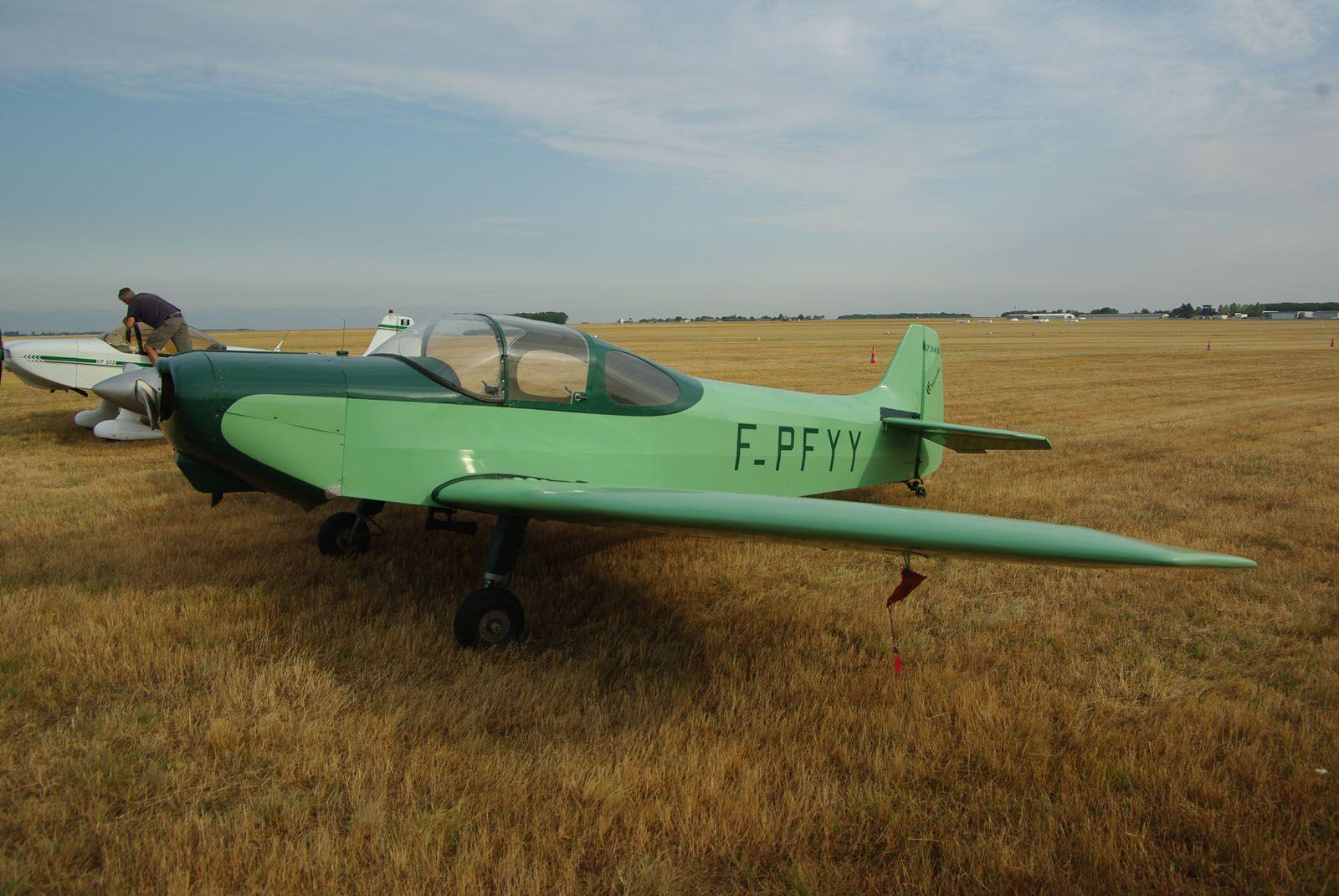 Le premier de toutes les pierres précieuses de Claude Piel, dont le premier vol remonte à 1954. Le Piel CP-30 Emeraude N°01 F-PFYY est arrivé chez Aéropassion à Blois le mois dernier.