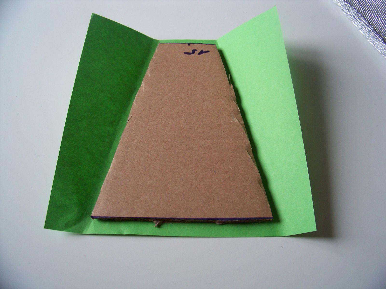 DIY serviettage sur cadre en carton..