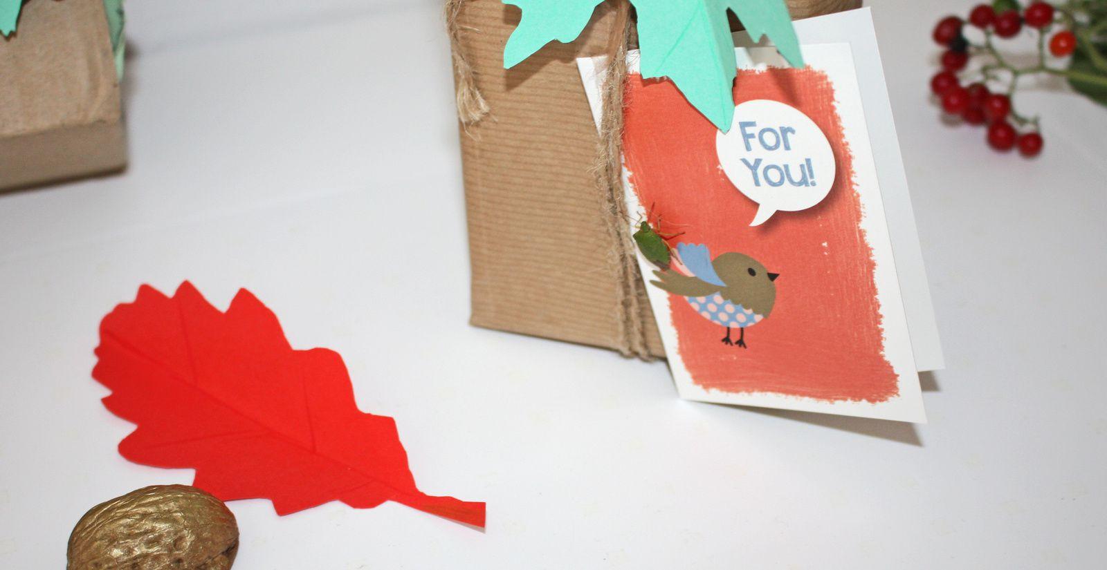 Paquet cadeau d'automne ,la guirlande  de feuilles !