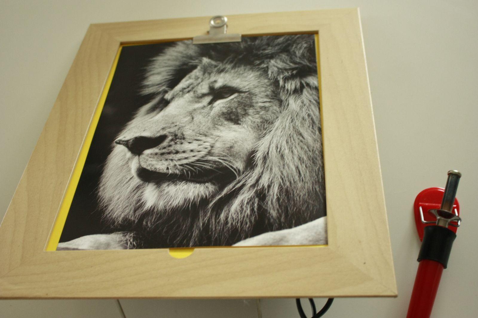 Gravure sur cadre en bois !!