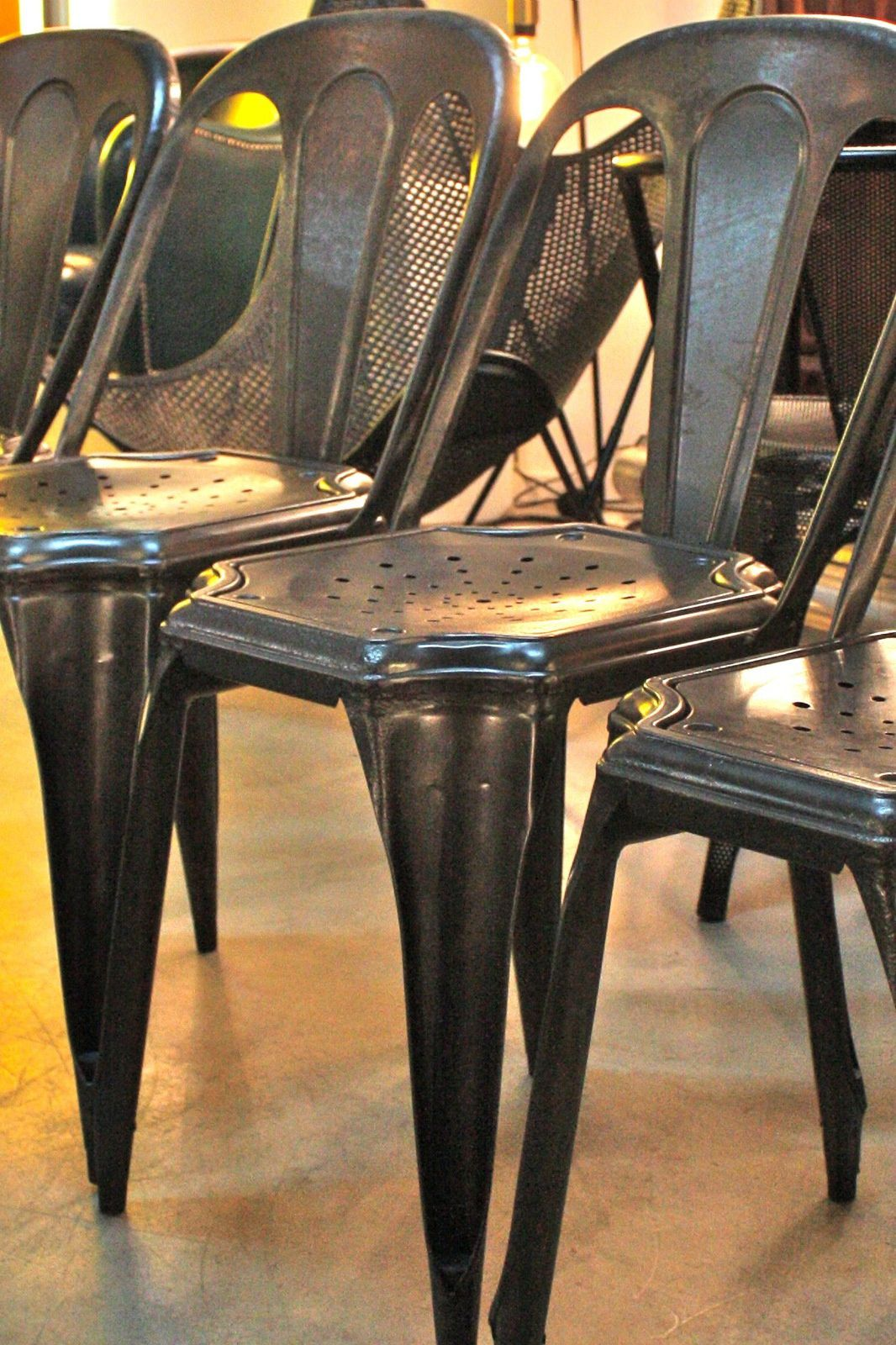 """Chaise industrielle ancienne """"Fibrocit"""" en métal"""