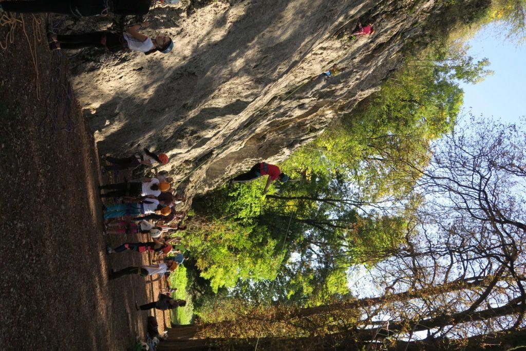 Après-midi falaise pour l'école d'escalade