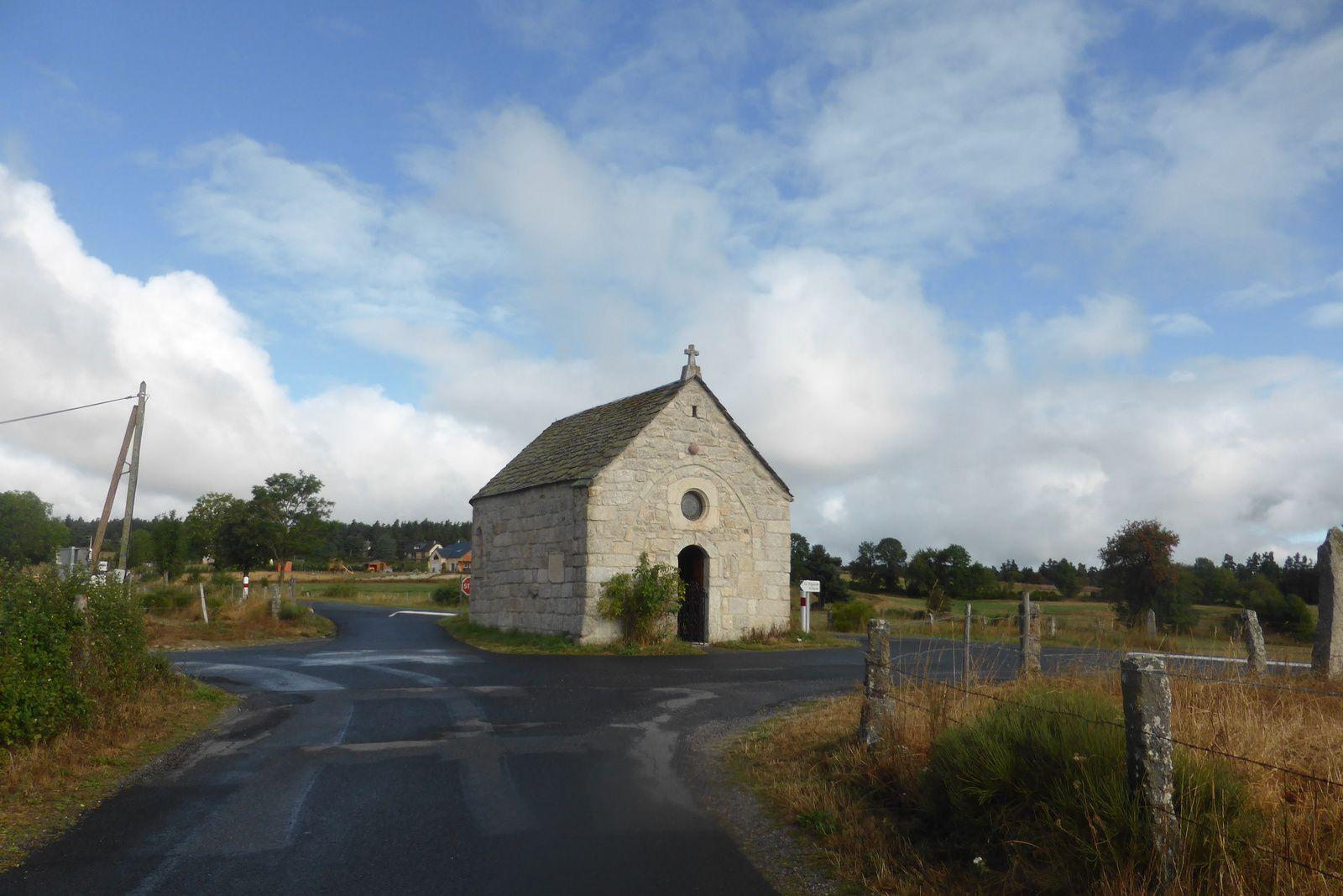 Nous arrivons à la petite chapelle de Bastide fondée en 1525, très belle à l'intérieur.