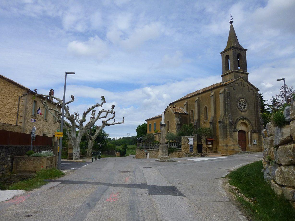 Le petit village d'Argilliers.
