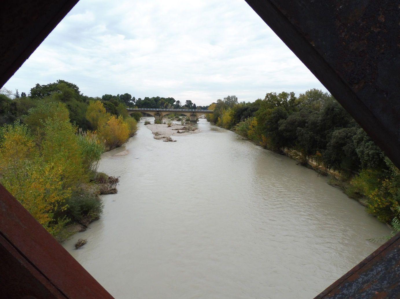 L'Ouvèze a bien monté avec les pluies de ces derniers jours.
