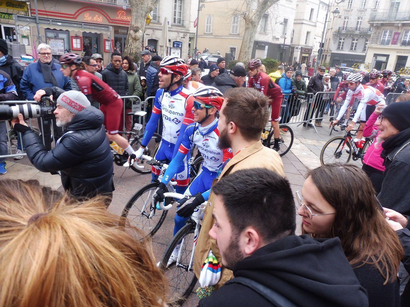 Tour La Provence 2019 : Départ de la dernière étape à Avignon.