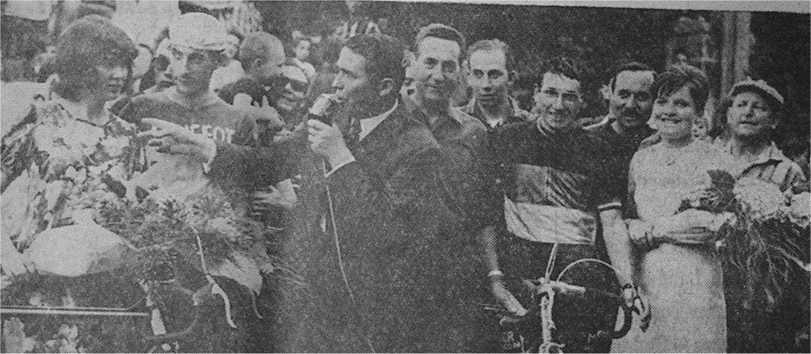 En 1967, Roland Berland avec le maillot de Champion de France, vainqueur à Augignac en Dordogne devant Jean-Pierre Parenteau (Nersac) et Bernard Champion (Cholet).