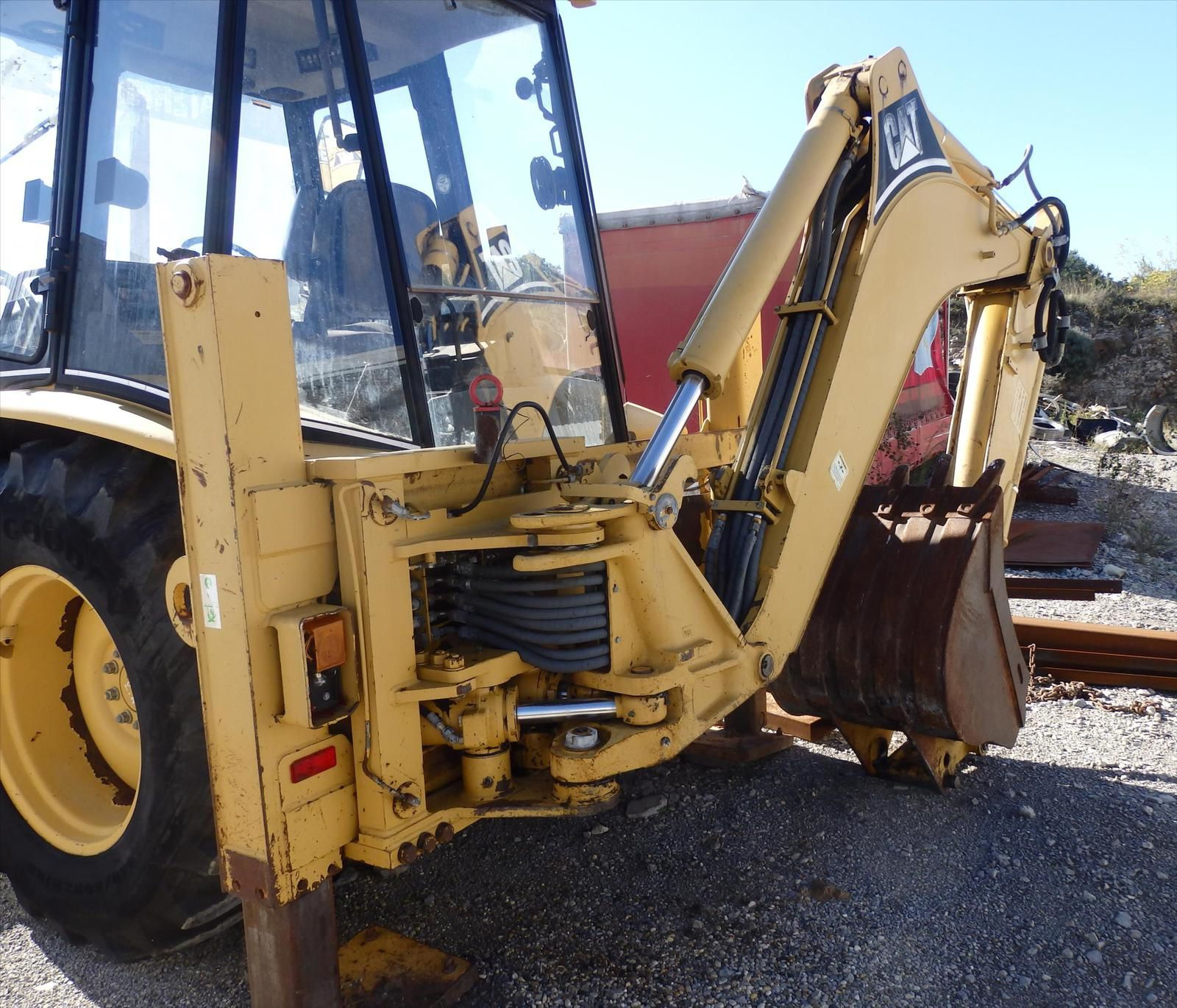 Tractopelle Caterpillar 4x4 CAT 180C Tel: 0608066192 TRANSCOMM13 Pierre BASSAT
