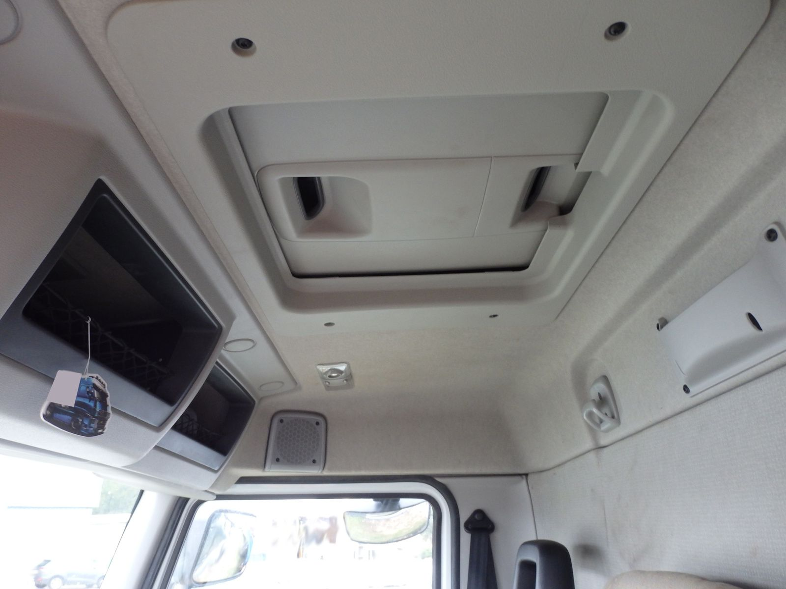 Camion 4x2 Premium Lander 280 DXI 19t Tel: 0608066192 TRANSCOMM13 Pierre BASSAT