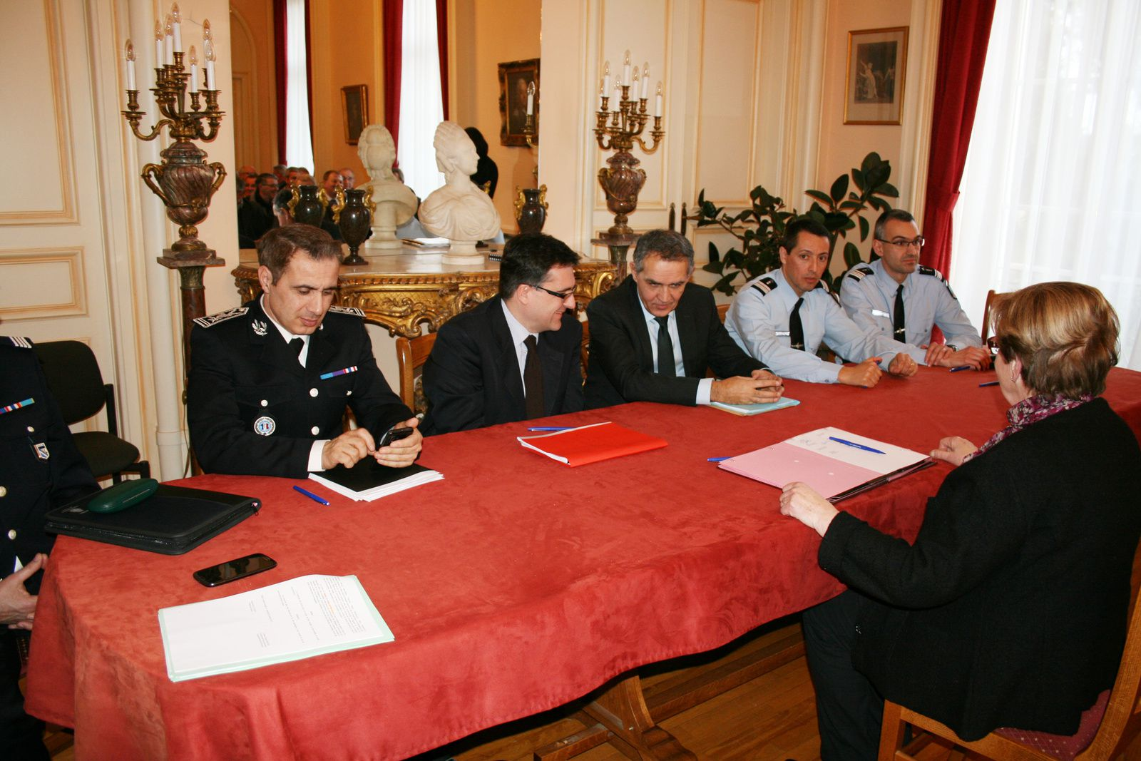 Voisins vigilants à Remaucourt: signature cet après-midi du dispositif devant le Préfet.