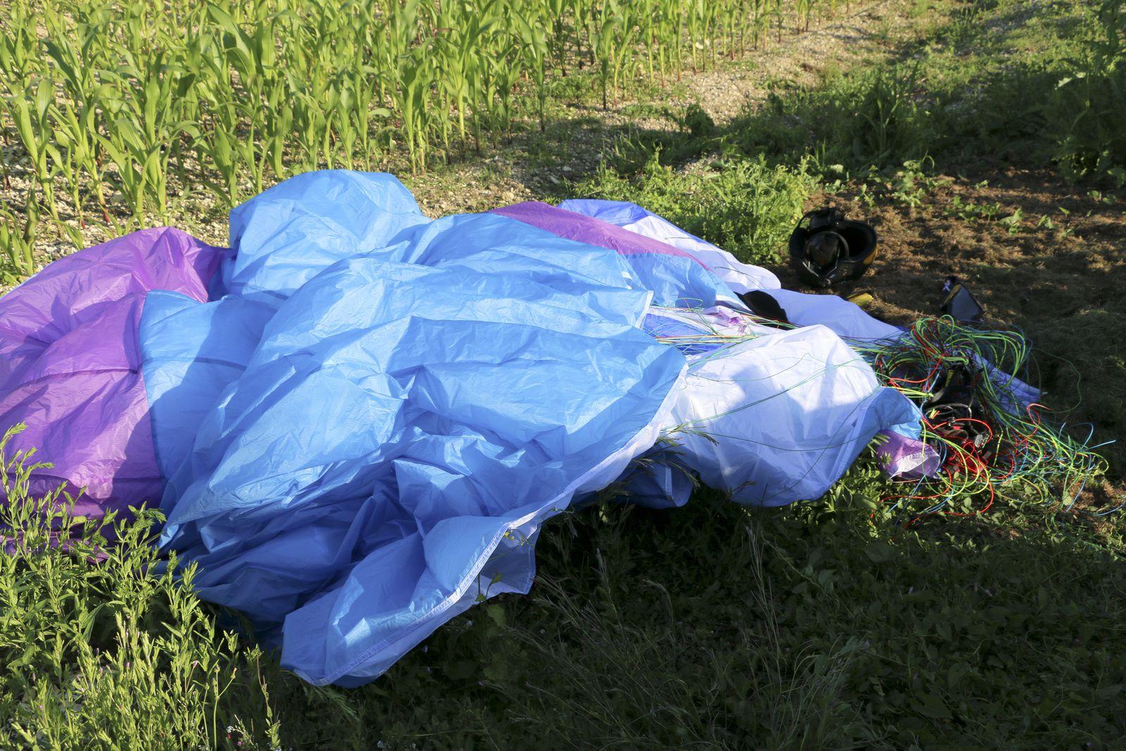 Crash d'un aéronef derrière la maison.