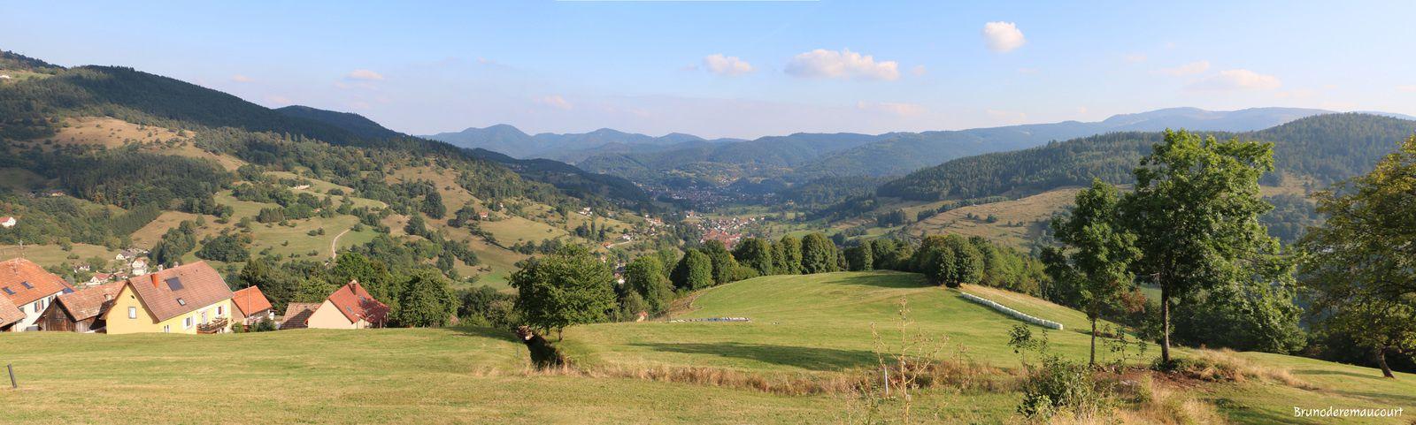 Panoramique de l'entrée de la vallée. (clic sur la photo pour l'agrandir)