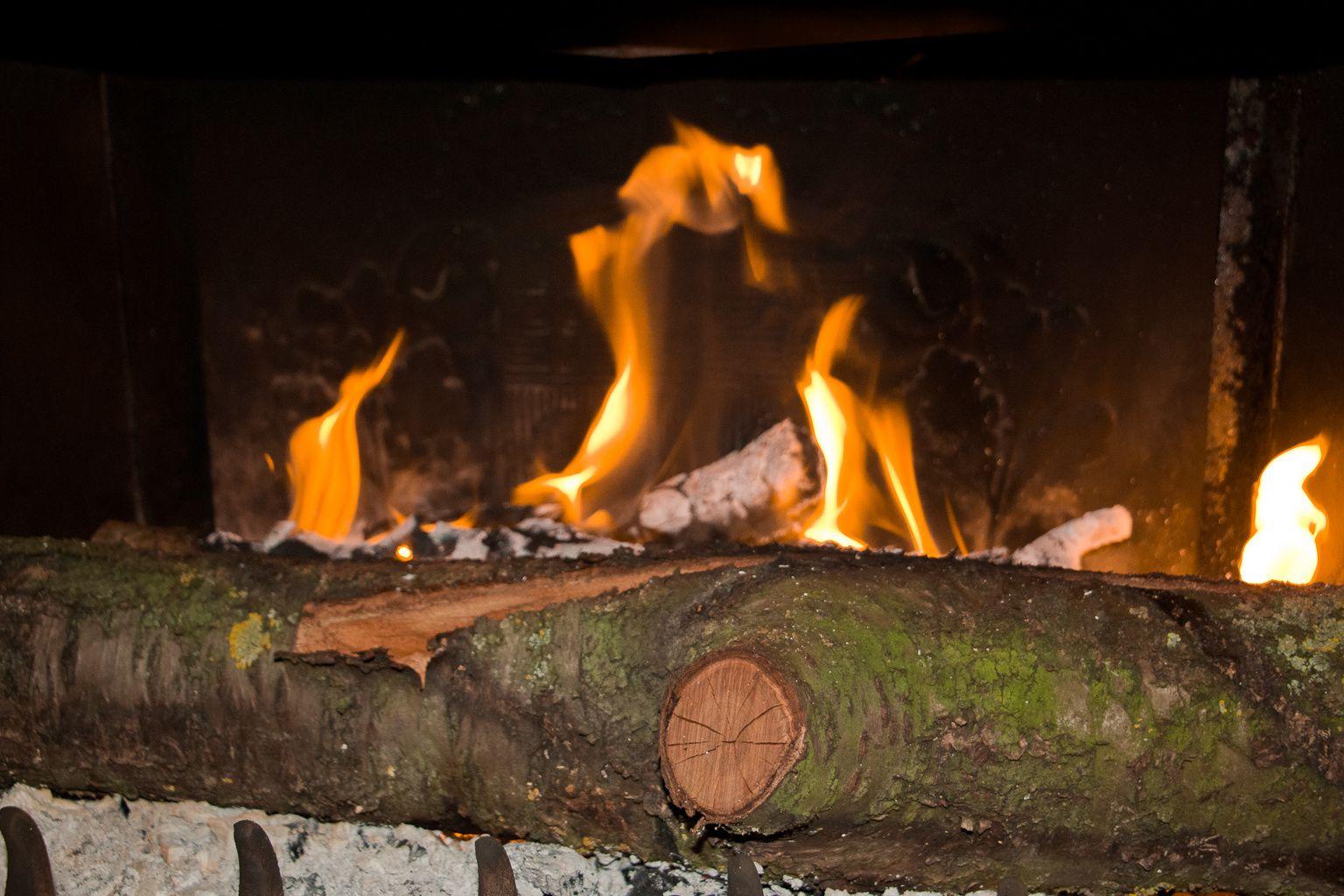 Le bonheur au coin du feu.