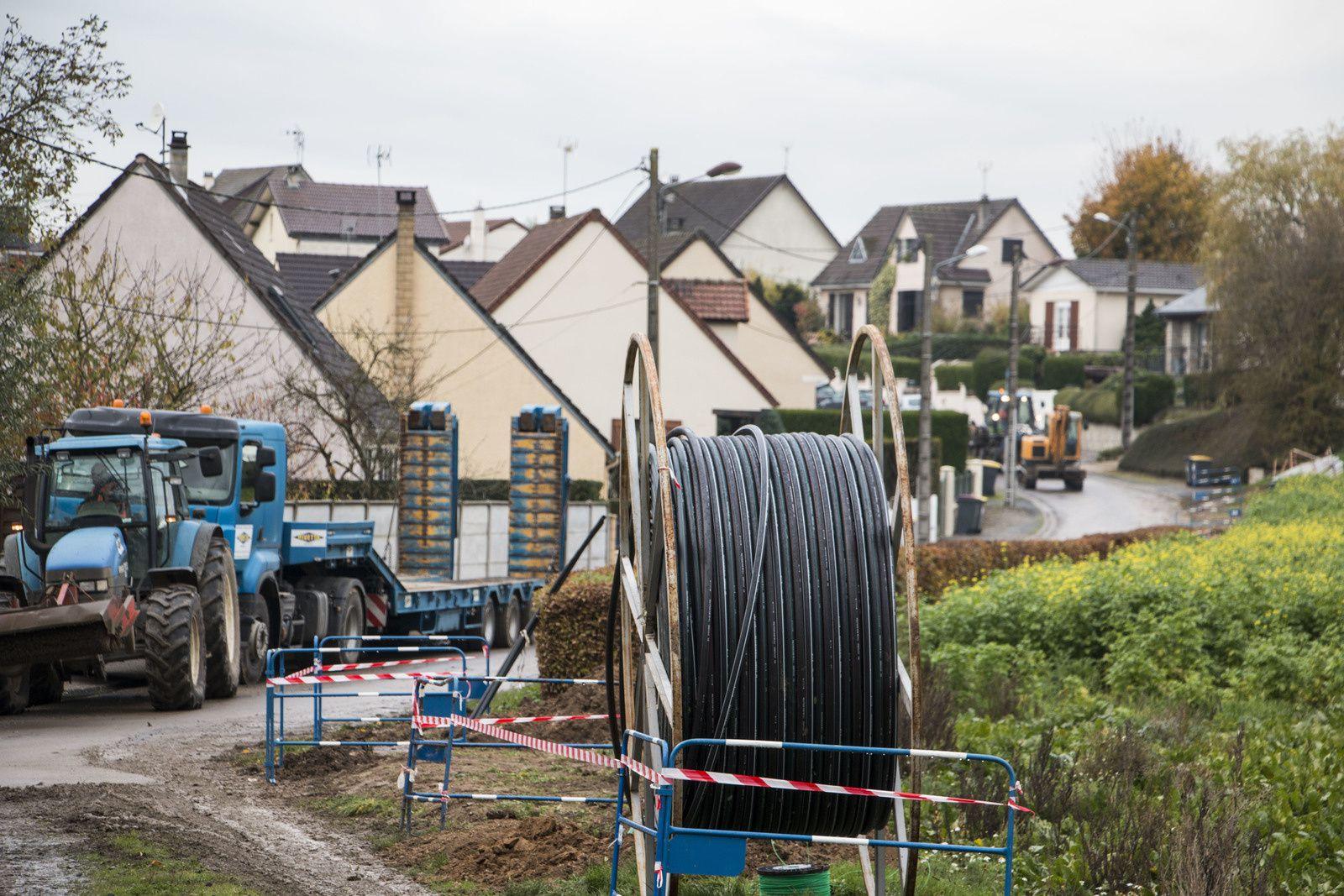 Les travaux pour l'installation de la fibre sont en cours...