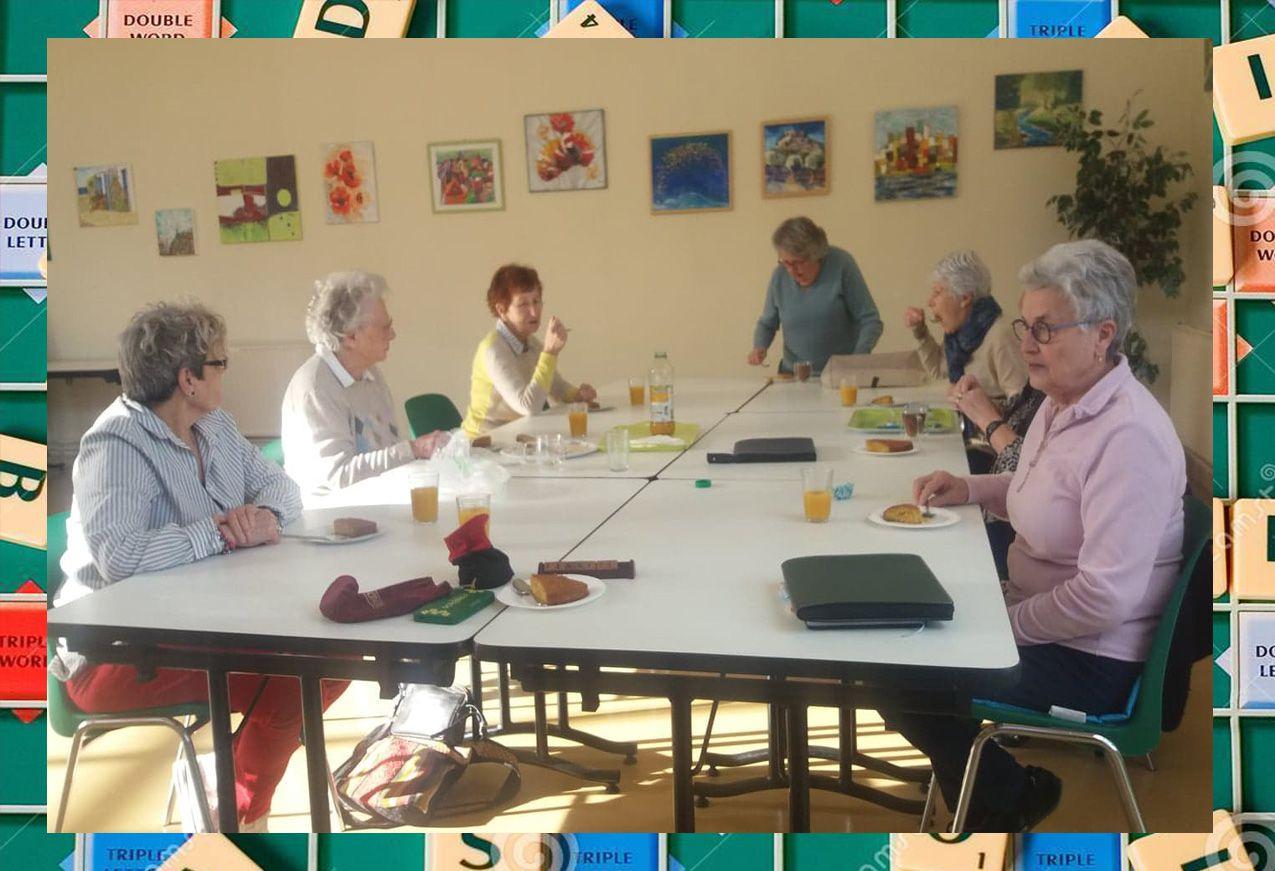 Anniversaire chez les membres du club de scrabble de Remaucourt-Loisirs.