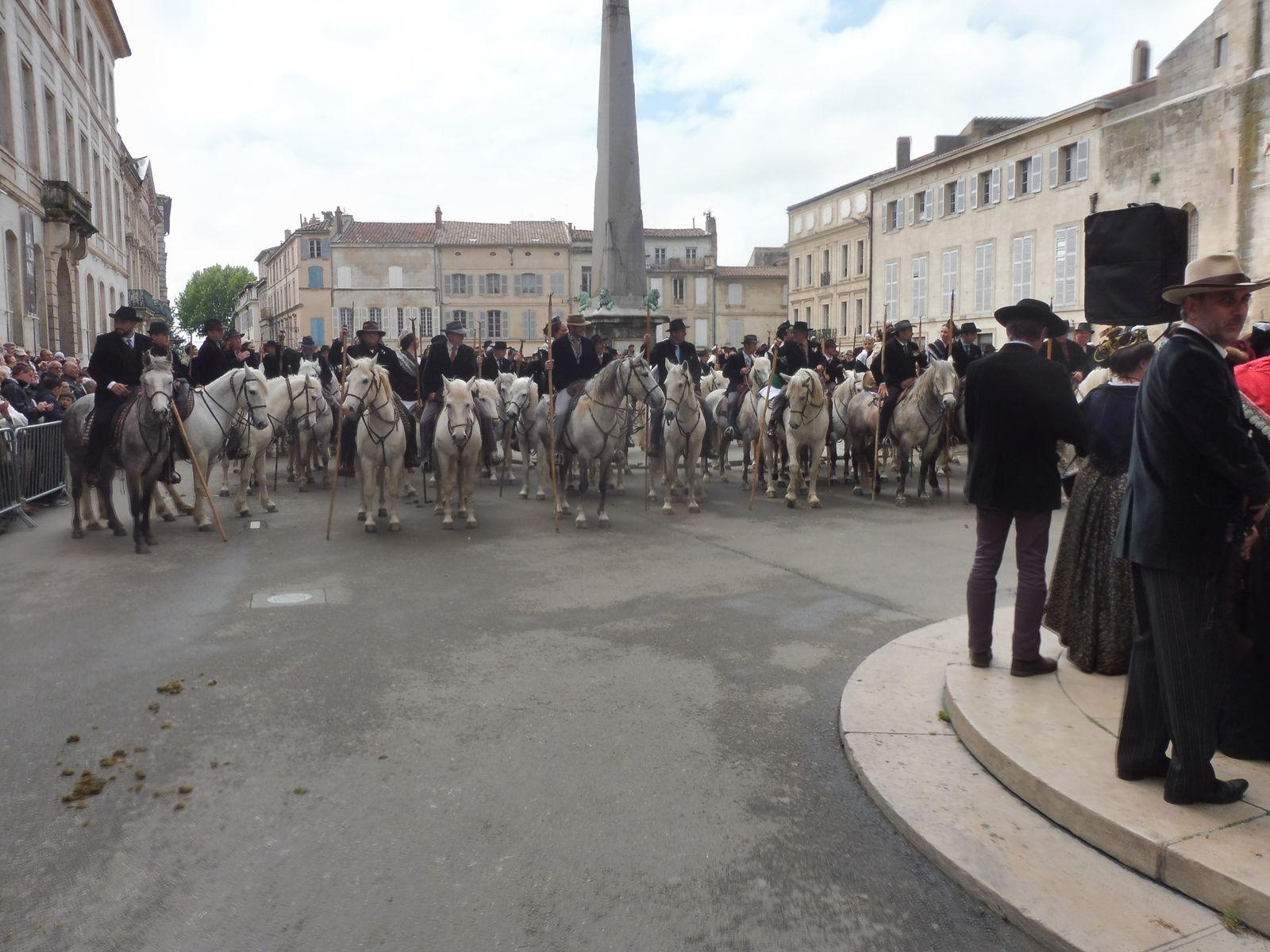 Nous étions à la fête des gardians  ( St Georges) en Arles le 1er Mai