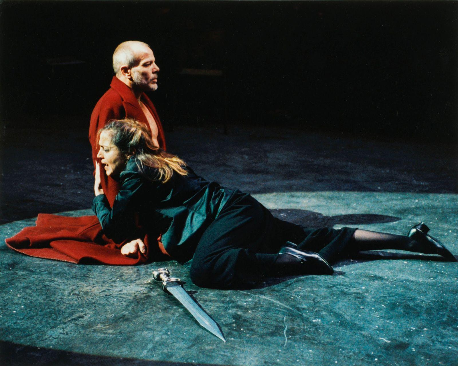"""@crédit photo Ros Ribas 2003, captation """"Phèdre"""" de Patrice Chéreau"""